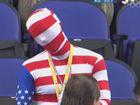 视频-奥运男篮美西决战 美国球迷国旗装助威