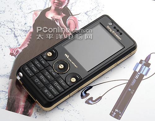 时尚风标索爱直板音乐手机W660图赏