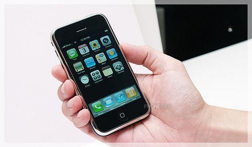 备受青睐苹果大屏手机iPhone试用