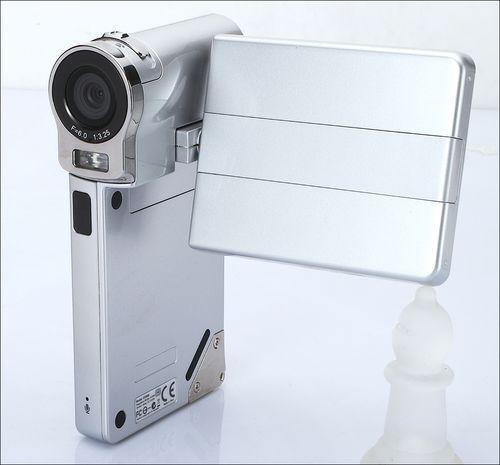 小巧多功能菲星数码摄像机SDV660图赏