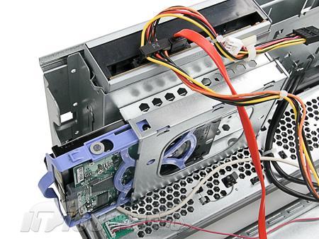 硬盘滑轨安装图解