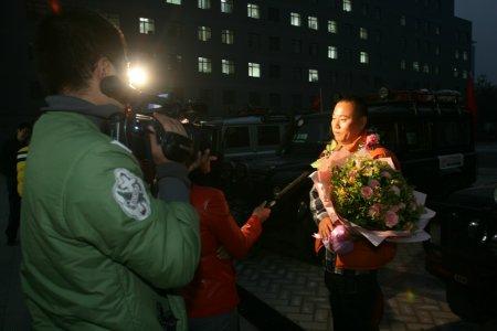 科技时代_图文:领队张书清接受北京电视台记者采访