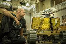 美国大学生计划送虚拟现实漫游车月球