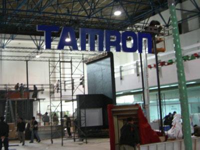 科技时代_P&E展前探秘:腾龙的展台占地面积很大