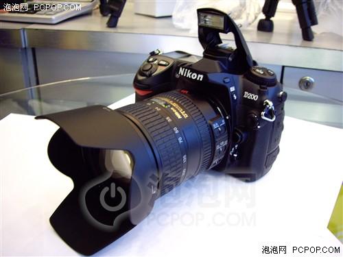 搭配18-200mm镜头尼康D200套装16800元