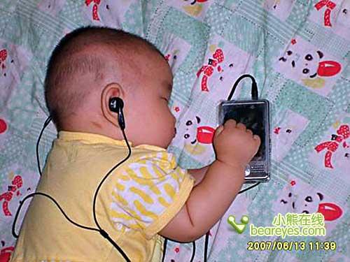 超级可爱网络惊现全球最小mp3宝宝