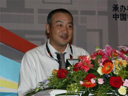 科技时代_图为:松下电器(中国)有限公司视听数码营销公司林威