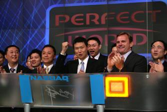 科技时代_图文:完美时空CEO池宇峰纳斯达克敲开市钟