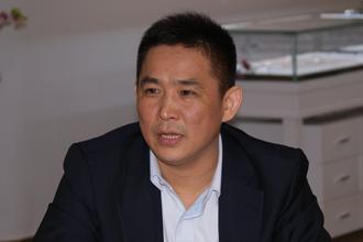 珂兰钻石前CEO王雍再创业