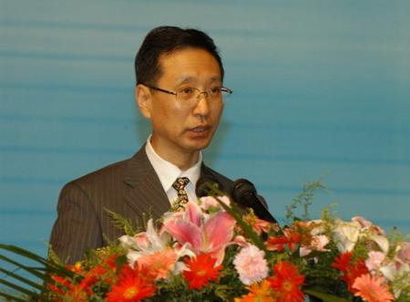 科技时代_图文:国家广电总局副局长胡占凡