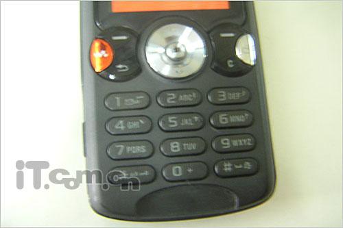 音乐手机终结者索爱W810c低价1998
