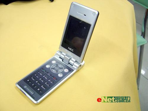 11.9mm超薄NEC时尚折叠机NQ只要899元