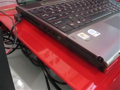 富士通13英寸笔记本狂降500售9500元