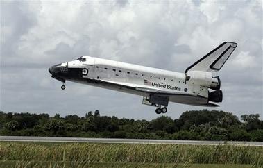奋进号航天飞机重返太空专题 正文          点击观看本新闻视频