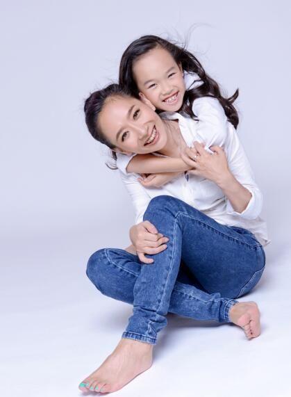 王芳和女儿小婉濛