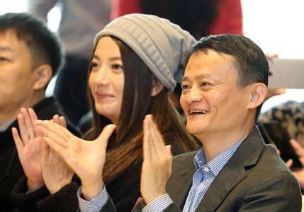 赵薇的投资过程中,不断地有马云的私人影子。