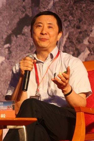 图文:北京大学管理案例研究中心主任何志毅