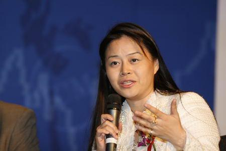 图文:中国皇后资本创始人粟耀莹发言