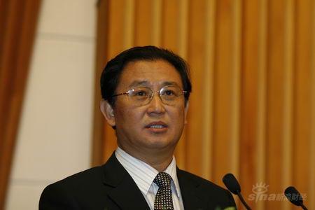 图文:天津是政府副秘书长陈宗胜发言