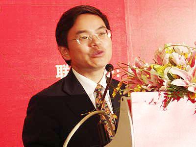 图文:平安保险品牌宣传部总经理盛瑞生发言