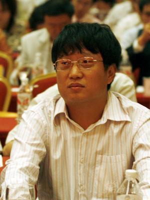 图文:新浪执行副总裁总编辑陈彤出席会议