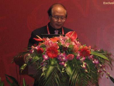图文:民建中央副主席路明先