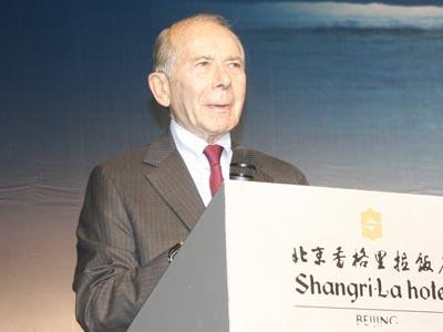 图文:前美国国际集团(AIG)总裁莫利斯-格林伯格