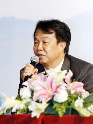 詹国枢:欢迎大家订阅人民日报海外版