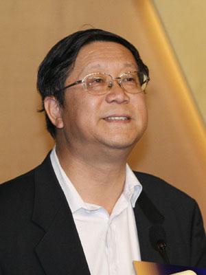 图文:光大集团董事长唐双宁致词
