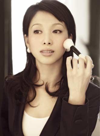《财富非常道》主持人李南简介