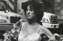 伦敦摩登美人扮街头性感女郎