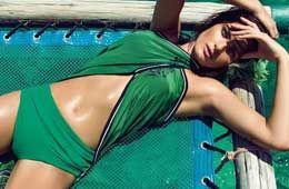 巴西老牌性感女星度假大片