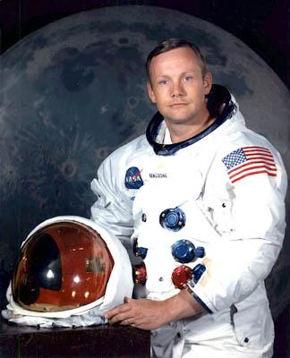 最先登上月球的人--阿姆斯特朗