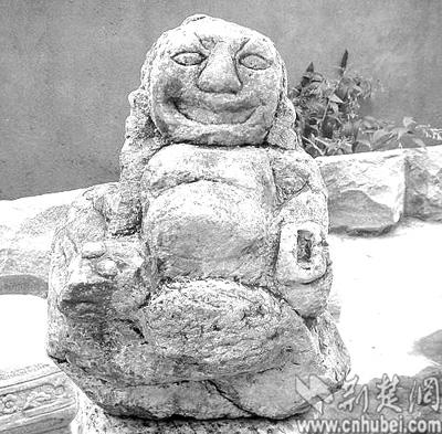 """黄州现""""女娲雕像""""制作年代推测为母系氏族社会"""