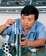 从技工到教授的工人专家李斌(图)
