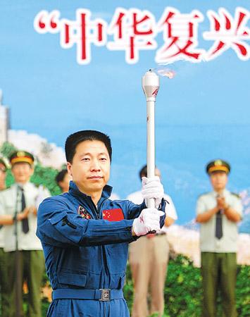 十七大代表风采:航天英雄杨利伟