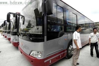 二公交新车到达国庆正式运营