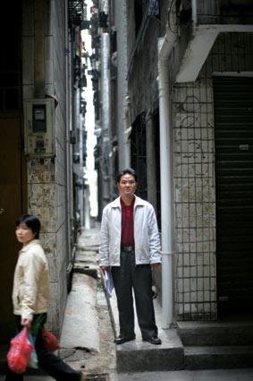 郑筱萸案举报人高纯上访诉讼12年自称不后悔