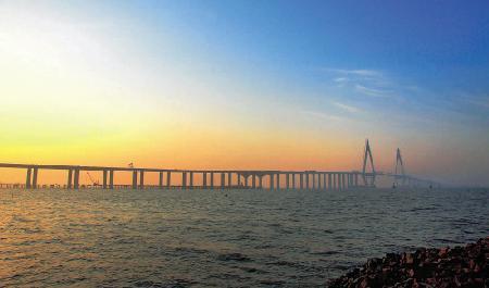 杭州湾跨海大桥今日贯通全长36公里居世界第一