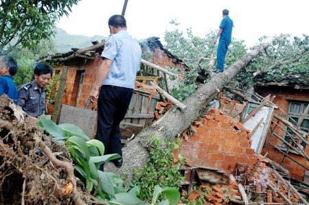 江西强降雨致30人死亡其中26人因雷击死亡