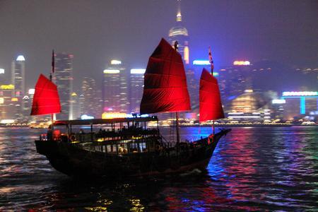 图文:香港九龙半岛迷人的夜景