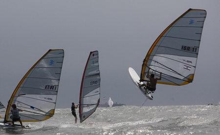 图文:2007青岛国际帆船赛奖牌日