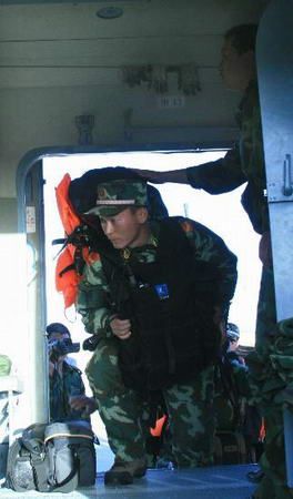 中俄联合搜救6名在新疆失踪俄罗斯人员(组图)