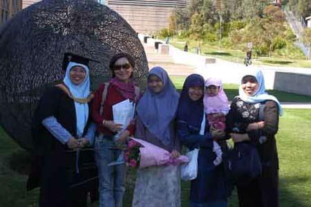 图文:巧遇马来西亚毕业生
