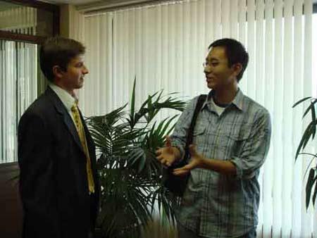 图文:特约辩手与莫斯科国际关系学院辩手
