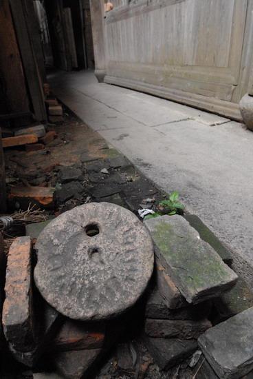 图文:古老的磨盘