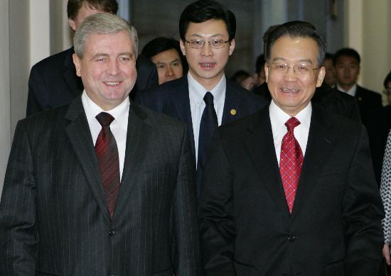 图文:温家宝总理会见白俄罗斯代总理
