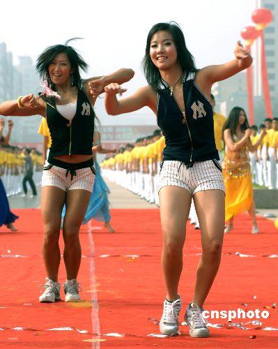 图:北京生理啦啦操庆祝女生倒计时一周年什么女孩奥运期注意要图片