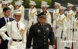 曹刚川出席六位日本前防卫厅长官举行的早餐会