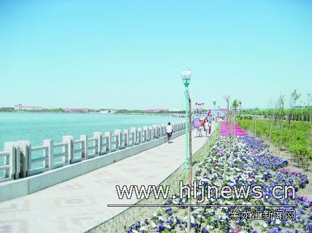 乘风湖生态园成为市民休闲的好去处.记者于忠斌摄-大庆对境内泡泽